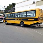 Prefeitura de Ubaíra adquire novo ônibus do 'Caminho da Escola'