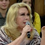 Morre aos 74 anos a atriz Rogéria; corpo será velado nesta terça