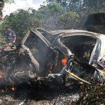 Professor morre após carro capotar e pegar fogo no extremo sul da Bahia